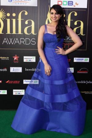 Parineeti _Chopra_at_IIFA_Awards_2012