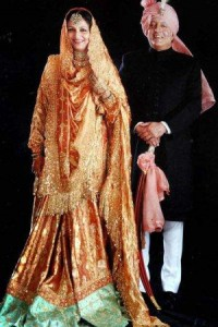 Kareena will wear Sharmila Ji's Sharara on Her Wedding