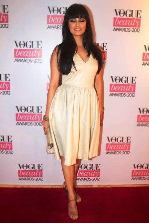 Dia_Mirza_at_Vogue_Beauty_Awards_2012