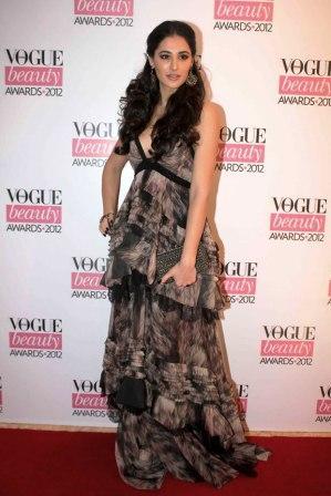 Nargis_Fakhri_at_Vogue_Beauty_Awards_2012