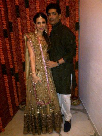 karishma_with_manish_malhotra_at_kareena_kapoor_sangeet