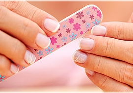 Shape_up_nails_with_nail_filer