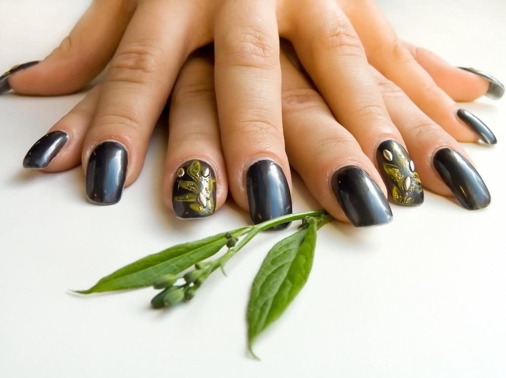 Green Garden Nail Art Look