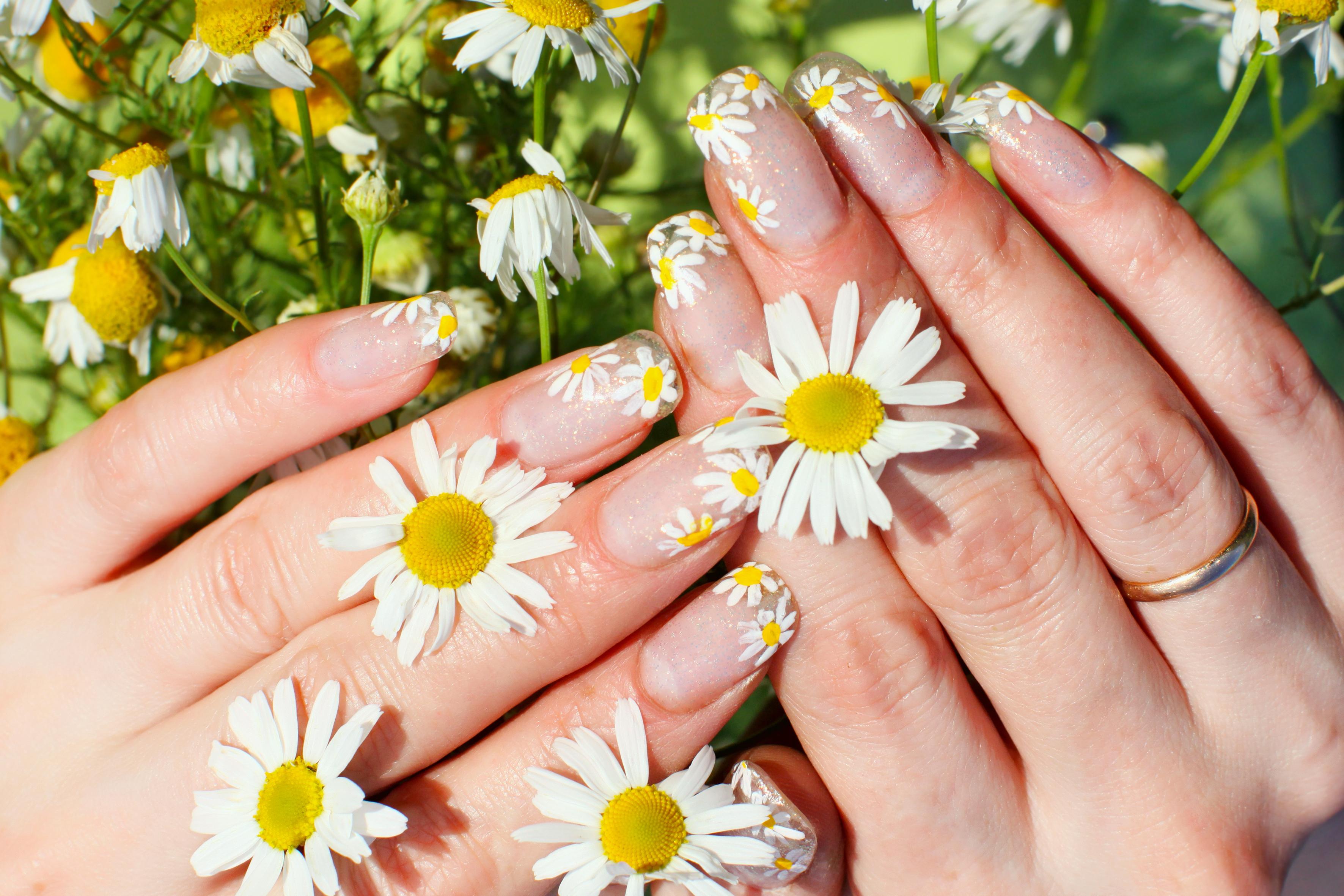 Three Nail Art Looks Inspired By Nature Girl Gloss